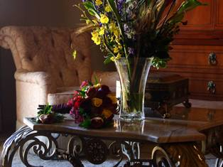 Naperville Weed Ladies Beautiful Flower Arrangments